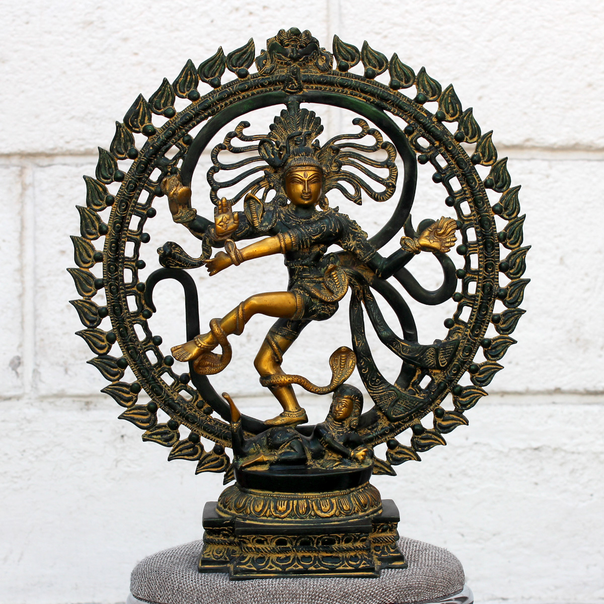 Бог Шива Натараджа (господин танца), патинированная бронза (стиль стариной бронзы)