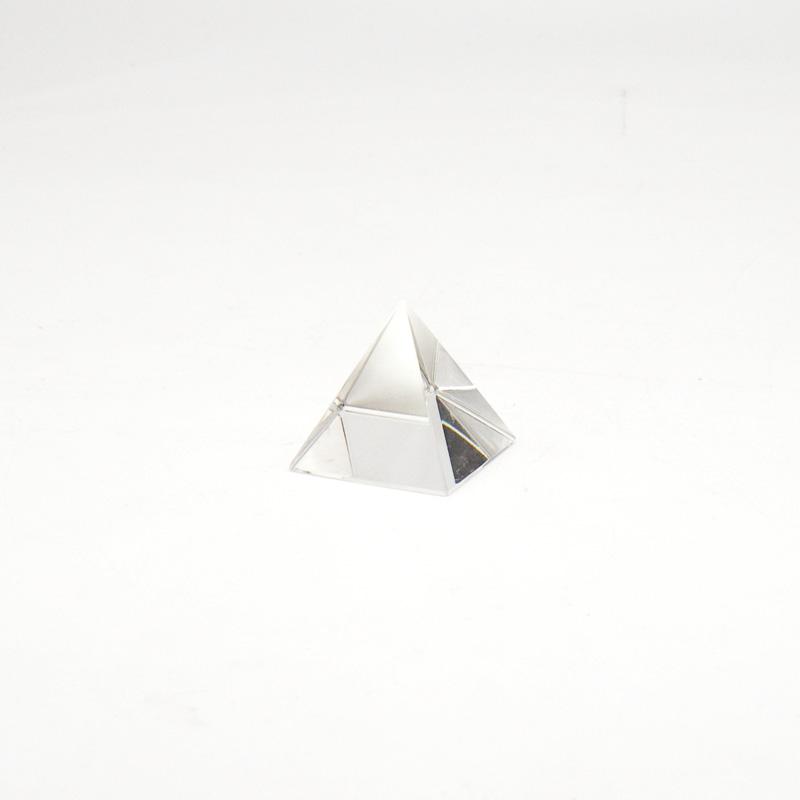 Пирамида из стекла, заводской хрусталь