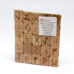 Набор деревянных рун с аннотацией