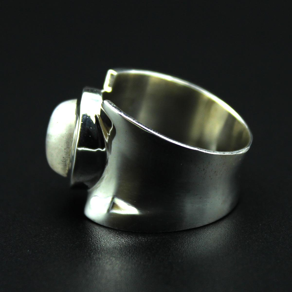 Кольцо, серебро, натуральный камень - лунный камень, 6.88 грамм, проба 925, размер 17.5