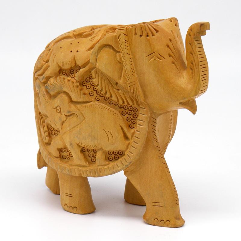 Слон из дерева