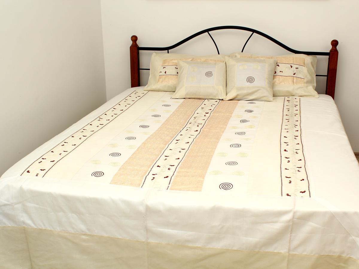Комплект постельного белья люкс King Size, покрывало комбинированный дизайн, 4 наволочки