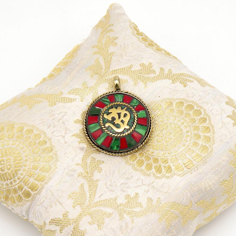 Кулон священный символ ОМ