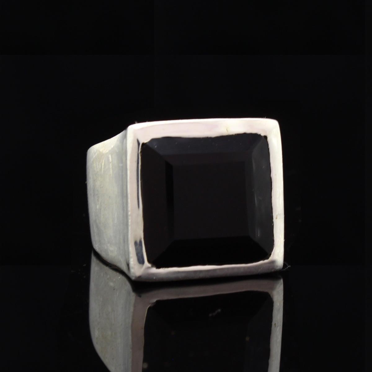 Кольцо, серебро, натуральный камень, Оникс, 11.45 г, проба 875, размер 17